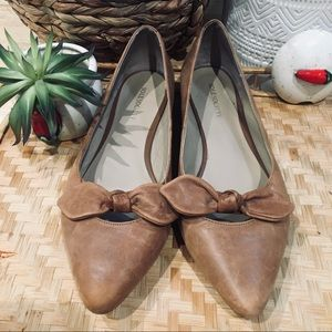 SOLE SOCIETY leather pointed toe bow flats 10 tan